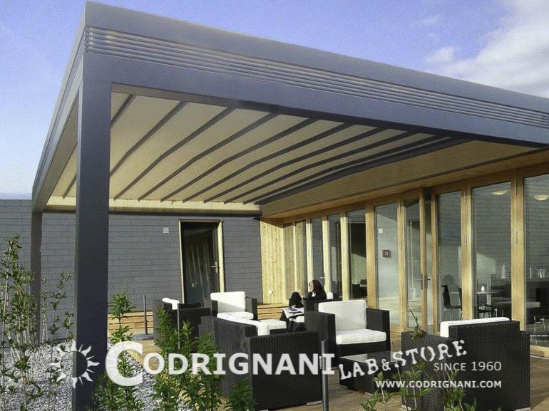 Vendita di pergole e verande su misura produzione for Soluzioni per zanzare giardino