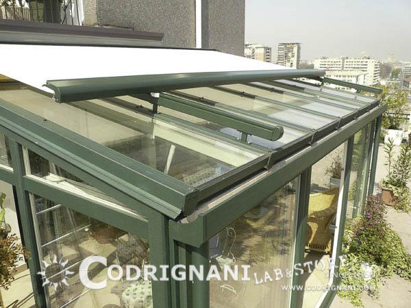 Produzione e vendita di tende da sole su misura montaggio - Serre per terrazzi ...
