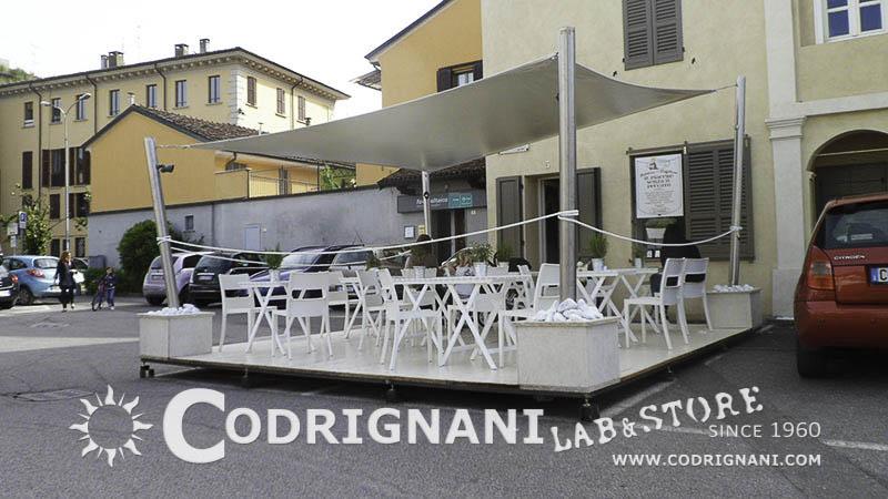 Tensostrutture e vele vendita produzione su misura for Arredi esterni per bar e ristoranti