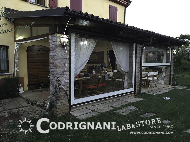 Tende veranda pvc design casa creativa e mobili ispiratori for Idee di veranda laterale